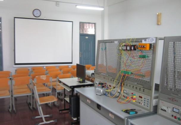 电机及电控技能实训室